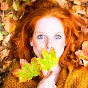 Autumn_Redhead_girl_Foliage_Face_536756_1920x1200